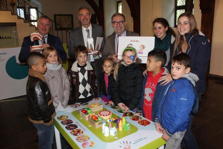 De kindjes (en de burgemeester) konden heel wat opsteken omtrent tandhygiëne.