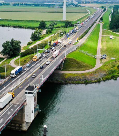 Tunnel onder Haringvliet serieuze optie? 'De aanleg neemt meestal jaren in beslag'