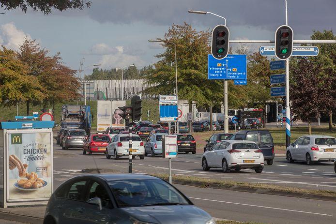 Drukte op de Kempenbaan bij de aansluiting van de N2 in Veldhoven