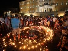 Nabestaande bosbrand daagt Griekse ministers om dood van drie gezinsleden