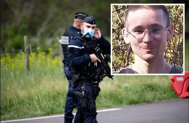 De klopjacht op Valentin Marcone (inzet) was inmiddels zijn derde dag ingegaan. Beeld AFP
