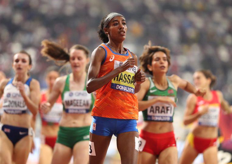 De Nederlandse Sifan Hassan, getraind door Salazar, overklast de tegenstand in de halve finale van de 1.500 meter. Beeld REUTERS