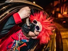 Haringhappen vanuit de auto als afsluiter van carnaval? In Deventer doen ze het