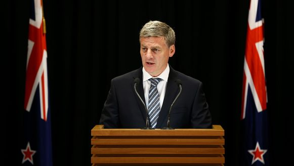 Premier Bill English kondigt de verkiezingen aan in de hoofdstad Wellington.