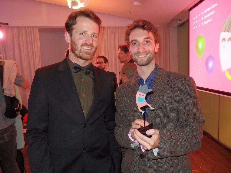 Klikdirecteur Bram Kranendonk, de enige die zich een beetje fatsoenlijk heeft aangekleed, en Bob Los, winnaar in de categorie Virtual reality Beeld Schuim