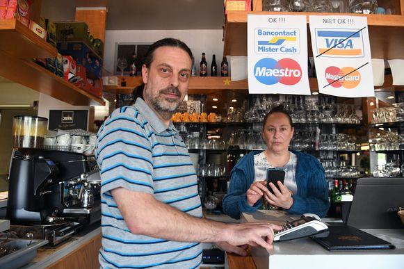 Geert Landerloos en Nancy Peeters van Eetcafé Buurthuis in Nieuwrode.