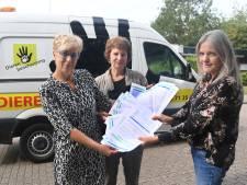 Handtekeningen om Dierenambulance in Vlissingen te laten blijven rijden