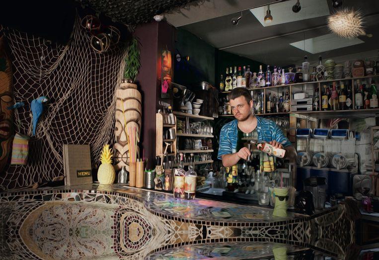 Tom Neijens van cocktailbar The Drifter (Gent). Beeld RV/Maison Ferrand