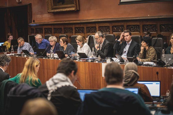 De live gemeenteraad, dat is al van februari geleden. De online gemeenteraad werkt voorlopig niet.