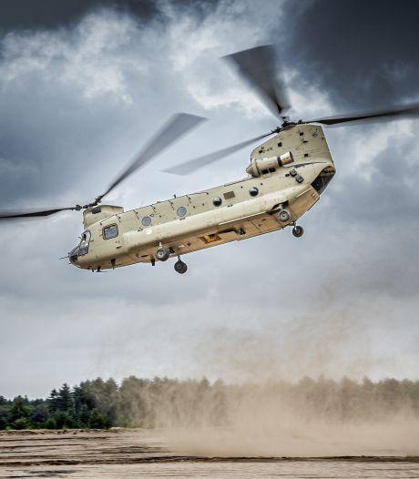 Last van laagvliegende helikopters en vliegtuigen? Luchtmacht oefent boven Maas en Waal