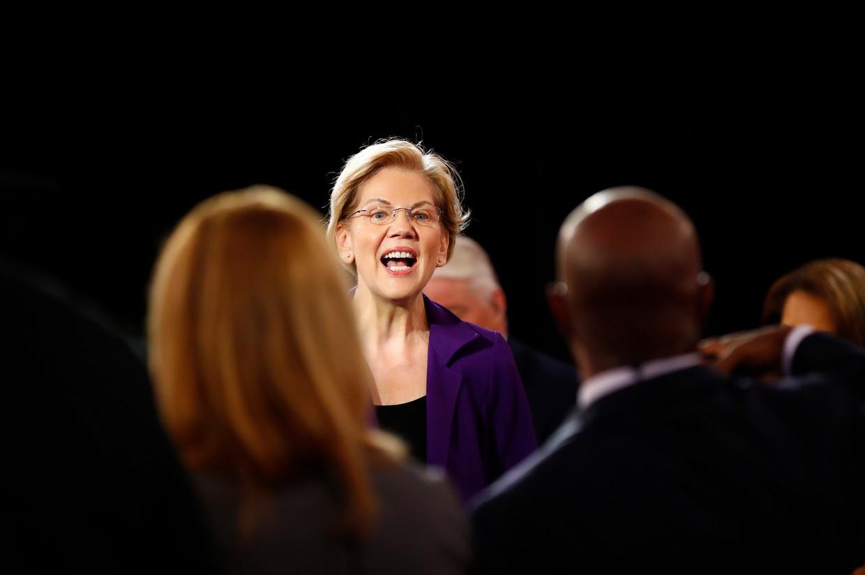 Senator Elizabeth Warren tegenover verslaggevers gedurende het vierde politieke debat in de Democratische voorronde, bij de Otterbein Universiteit te Ohio.