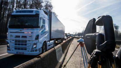 Kilometerheffing verkleint files niet, zelfs meer vrachtwagens op baan