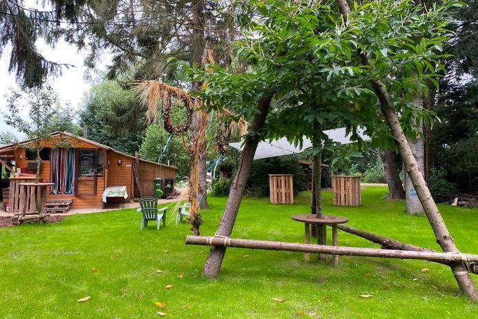 'Spoor 3' in de Kloosterstraat in Lede vormt het ideale buurthuis, de perfecte buurttuin en vormt tijdens de vakantie ook drie weekends een zomerbar.