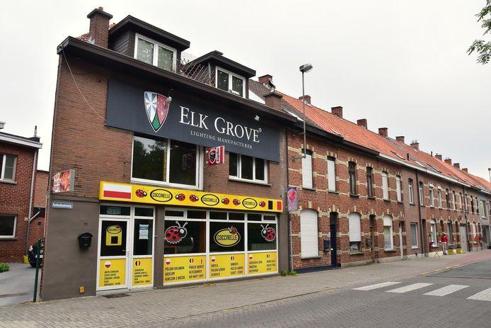 De zaak Coccinelle langs de Rumbeeksesteenweg in Roeselare.