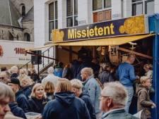 Coronaproof lootjes graaien in de Missietent op najaarkermis Oldenzaal
