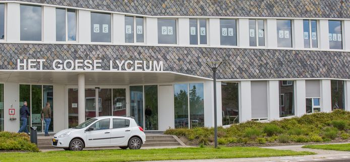 Eind mei protesteerden docenten van het Goese Lyceum tegen de openstelling van de scholen omdat veel docenten nog niet gevaccineerd zijn.