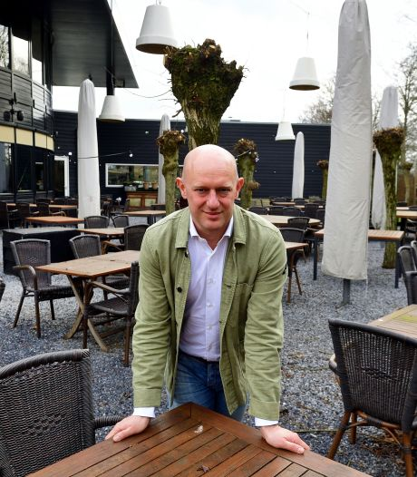 Terrassen blijven dicht, tot frustratie West-Brabantse horeca: 'Ik had al zo'n voorgevoel...'
