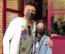 Engin Akkuzu en dochtertje Almira (11) die zich moest laten testen.