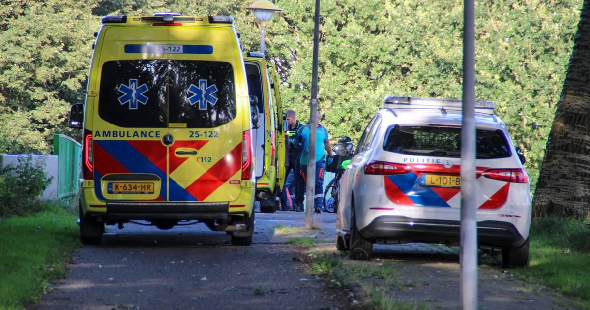 Fietsers raken zwaargewond bij ongeval op fietsbrug in Lelystad.