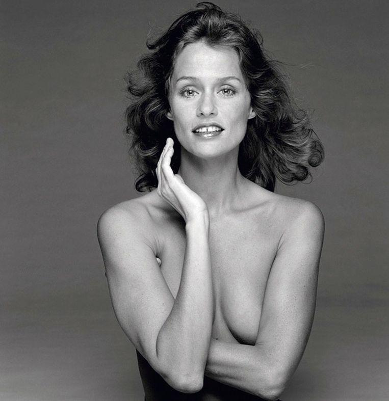 Amerikaans model/actrice Lauren Hutton in een Londense studio in 1978. Beeld Terry O'Neill