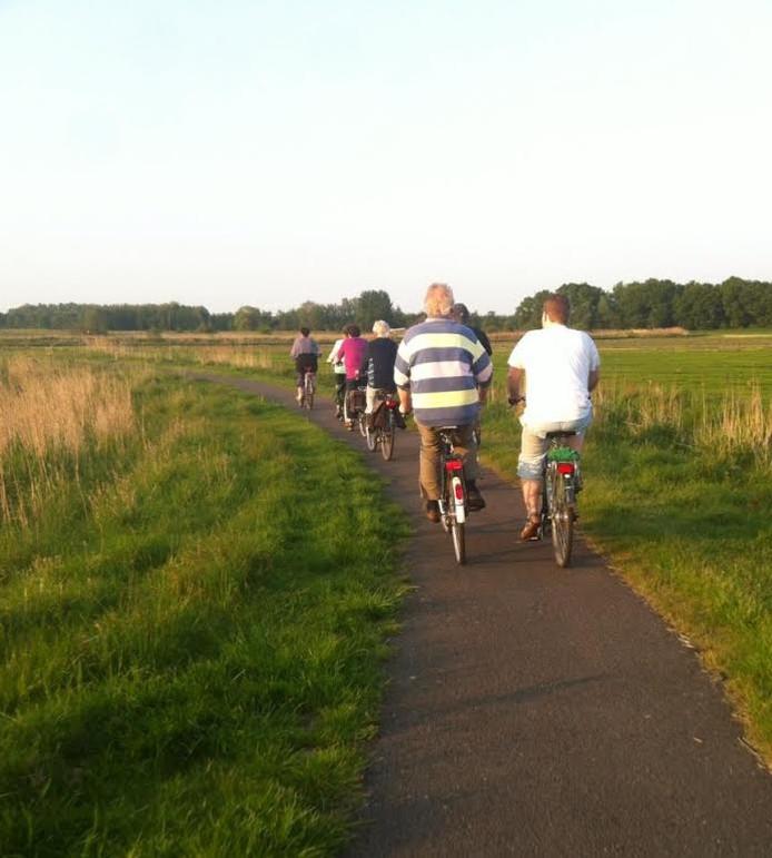 De fietsavondvierdaagse in Steenwijkerwold leidt door natuurgebieden in de buurt van het dorp.