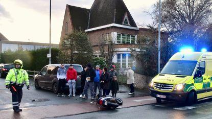 Jonge bromfietsster stevig geschrokken na ongeval met afslaand voertuig