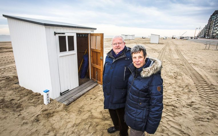 Dirk en Anne Van Belle kampeerden vorig jaar nog op de dijk om als eerste een cabine te hebben