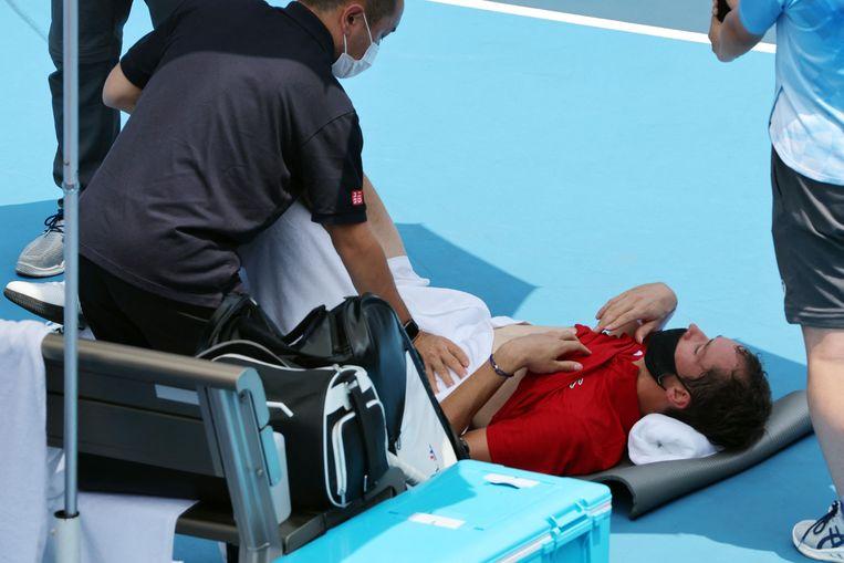 Daniil Medvedev had het zwaar tijdens zijn partij tegen Fabio Fognini. Beeld AFP