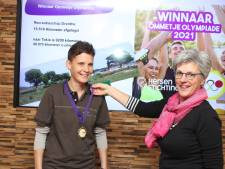 Marjan Koops loopt geen 9000 maar 15.516 kilometer en krijgt gouden medaille