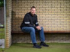 Peter (43) schreef een boek over 22 trainers uit het Twentse amateurvoetbal: 'Heb ze op een andere manier leren kennen'
