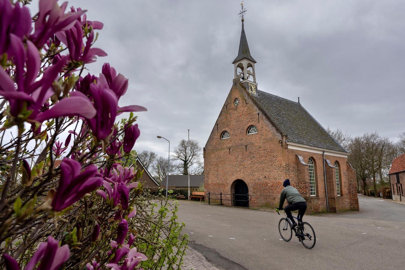 De dorpsraad had plannen voor het Sint-Odradakerkje, waarin tot november het Nederlands Dakpannenmuseum was gevestigd..