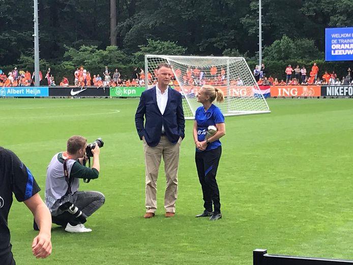 Louis van Gaal en Sarina Wiegman.