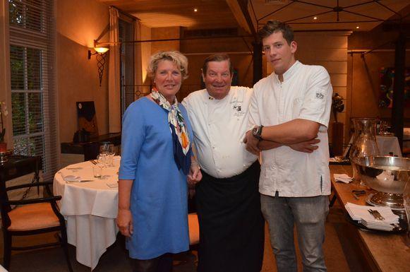 Marita Van den Neste, chef-kok Philippe Vanheule en zoon Thomas in hun restaurant Hof Ter Eycken in Ninove.