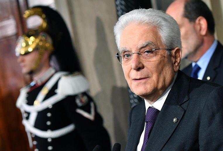 Nieuwe verkiezingen kunnen volgens Sergio Mattarella al in juli worden gehouden. De Italiaanse president ziet dat liever niet gebeuren. Beeld EPA