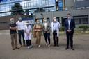 Vlaams minister Wouter Beke (uiterst rechts) kreeg afgelopen donderdag een rondleiding in het ziekenhuis.