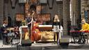 Sam Gevers, Wouter Berlaen, Lotte Stevens en Tom Kestens brachten het Kleine Helden-lied in de kerk van Sint-Dimpna.