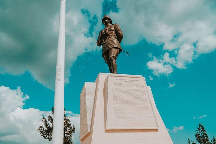 In Turkije is geen overheidsgebouw denkbaar zonder de buste van Atatürk en op veel plaatsen staan standbeelden van hem.