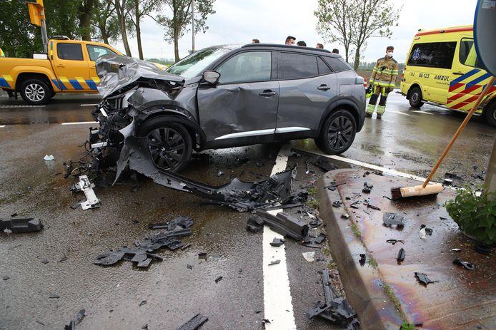 De schade is enorm na een ongeluk in Deil