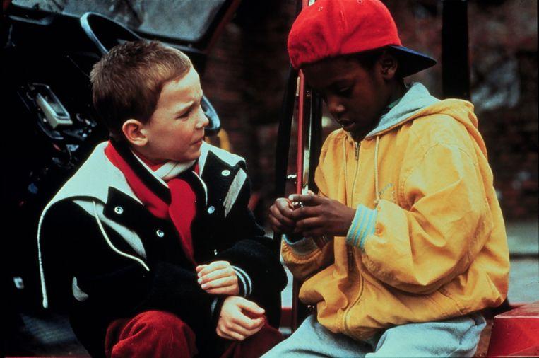Mees en zijn vriend Tom in 'Het zakmes'.  Beeld BELGAIMAGE