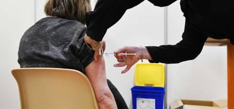 Huisartsen woedend op RIVM-vaccinatiebaas: 'De boodschap zou juist moeten zijn: néém AstraZeneca'