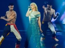 Davina Michelle verplettert kijkers met optreden songfestival: 'Ze zingt iedereen naar huis'