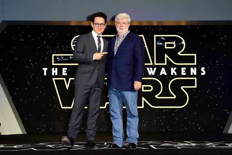 JJ Abrams en George Lucas bij de première van 'Star Wars: The Force Awakens' in 2015.