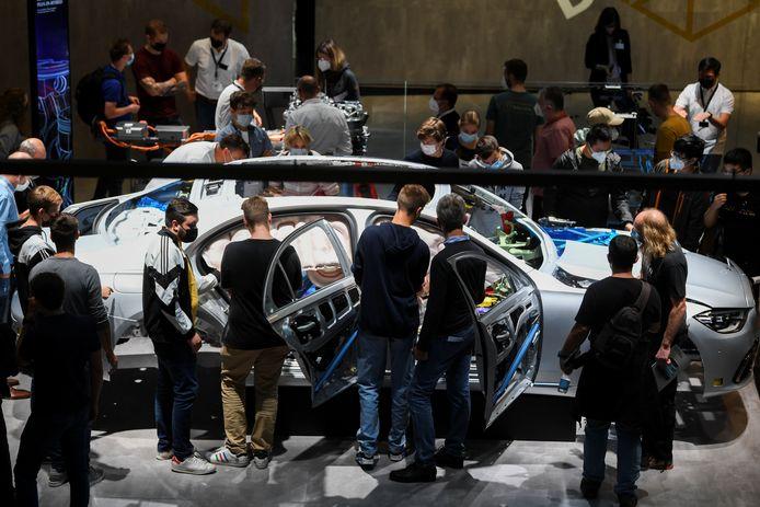 Ook de stand van Mercedes-Benz trok veel bekijks. Het merk gunde de IAA de onthulling van veel nieuwe modellen.