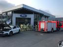 De brandweer moest de showroom lange tijd ventileren.