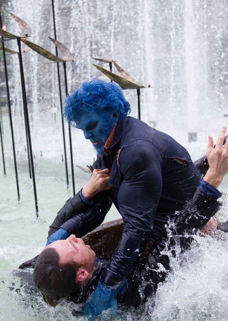 X-Men: Days of Future Past, met Nicholas Hoult en Michael Fassbender (onder). Beeld Warner Bros