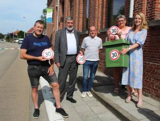 Stickers op GFT-containers vragen extra aandacht voor zone 30 in schoolomgeving