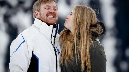 Amalia en Willem-Alexander laten zich van speelse kant zien tijdens fotosessie