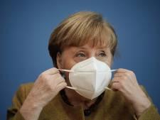 """Merkel n'exclut pas des contrôles aux frontières, mais """"en dernier recours"""""""