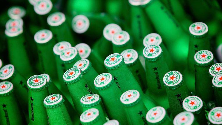 Het alcoholvrije Heineken 0.0 ligt vanaf 6 maart in de Nederlandse supermarkten en bij cafés en restaurants. Vanaf april volgt de rest van de wereld. Beeld anp