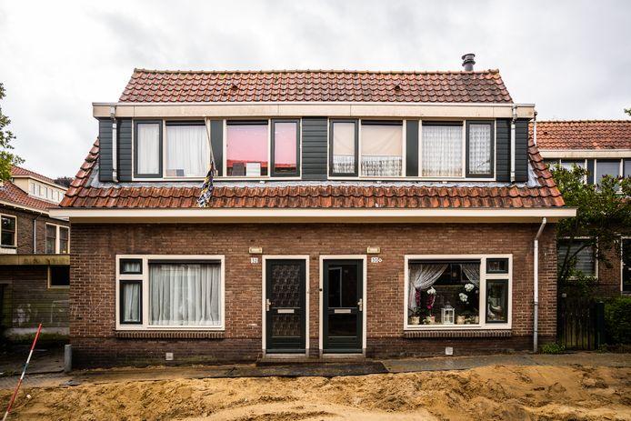 Twee woningen in de Victor de Stuerslaan in de de Arnhemse wijk Geitenkamp waarmee George Soros flinke winst heeft gemaakt.